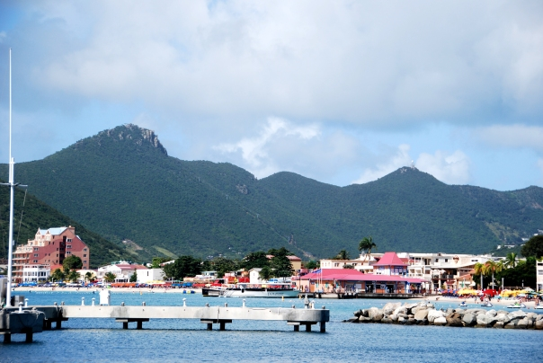 Colorful buildings and houses along the shoreline made for a great site every morning. (Photo by Robyn Bushong.)